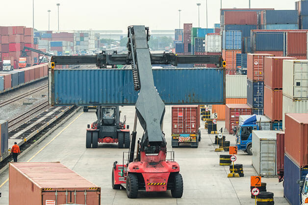 Longshoremen working on Export Packing